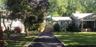 Asphalt driveway in Knollwood Ter, Westfield. NJ
